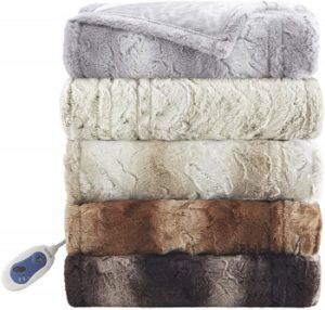 Beautyrest Zuri Oversized Heated Faux Fur Throw review