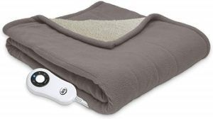 Serta's Reversible Heated Throw